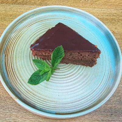 tort sacher desert brasov tort ciocolata